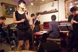 3/10 谷町五丁目グラバー邸にてライブでした。